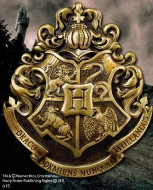 Harry Potter Wall Decor Hogwarts School Crest 28 x 31 cm