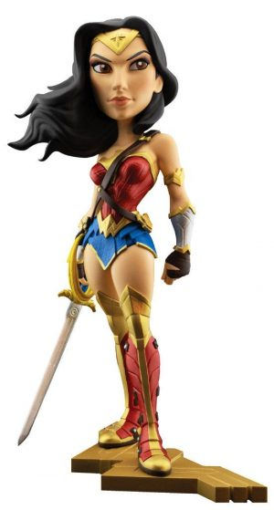 DC Comics Vinyl Figur Gal Gadot as Wonder Woman 20 cm